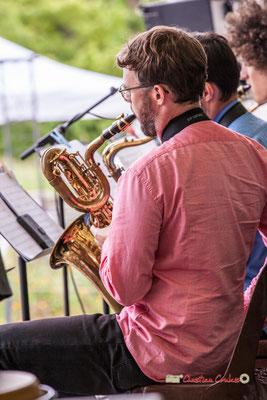 Saxophone baryton de Jérôme Mascotto; Big Band du Conservatoire Jacques Thibaud. Festival JAZZ360 2019, parc du château de Pomarède, Langoiran. 06/06/2019