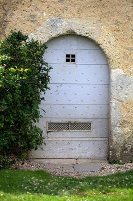 Château d'Yquem, porte cloutée