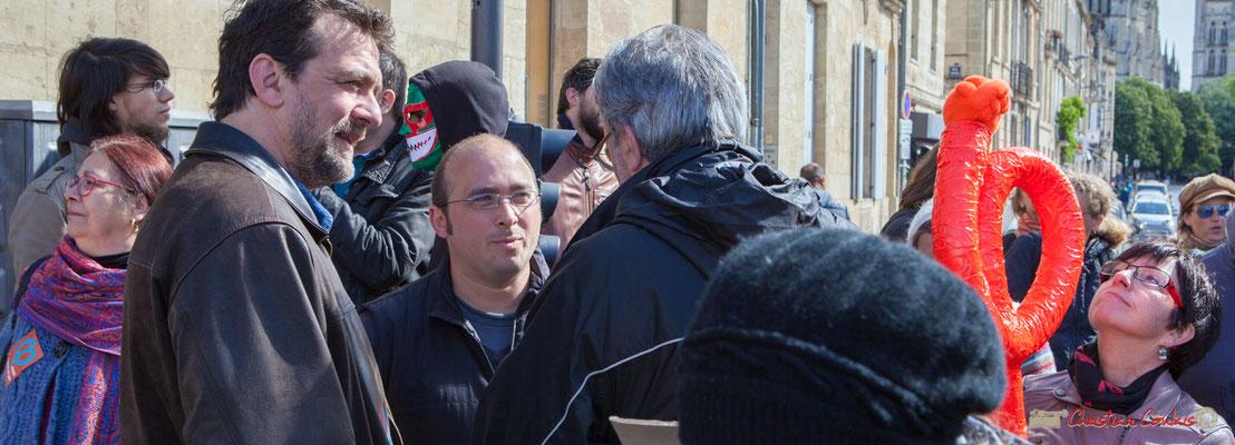 Vincent Feld et Christophe Miqueu, candidat aux élections législatives de la 12ème circonscription. Manifestation du 1er mai 2017, avec la France Insoumise, cours d'Albret, Bordeaux