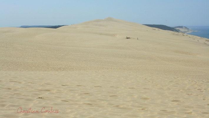 Dune du Pyla, un des plus beaux panoramas de la Gironde, avec vue plongeante sur le Bassin d'Arcachon, le Cap-Ferret et l'océan.