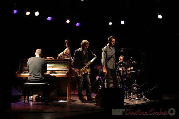 Jean-Yves Jung, Mauro Gargano, Frédéric Borey, Sylvain Gontard, Roger 'Kemp' Biwandu; Roger Biwandu Quintet, Festival JAZZ360 2011, Cénac. 03/06/2011