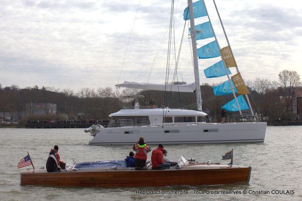 Bateau Chris Craft Riviera et catamaran depuis la gabare les Deux Frères. Bordeaux, samedi 16 mars 2013