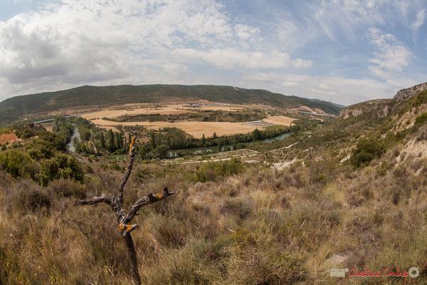 1/3 Vue de la vallée et du plateau en aval de la Foz de Lumbier, Navarra