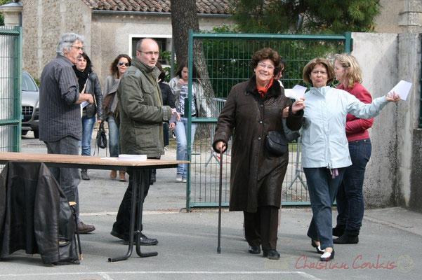 Festival JAZZ360 2010. Entrée gratuite, arrivée du public. Groupe scolaire de Cénac, mercredi 12 mai 2010