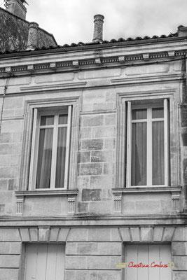 """""""Habitat début XXème"""" Rue Carnot. Cité médiévale de Saint-Macaire. 28/09/2019. Photographie © Christian Coulais"""