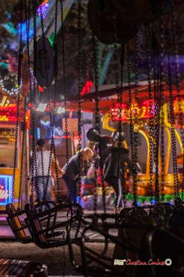 """""""Quant tout s'enchaine III"""" Au fil des allées de la Foire aux plaisirs. Bordeaux, mercredi 17 octobre 2018. Reproduction interdite - Tous droits réservés © Christian Coulais"""