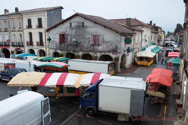 7h45, Place de la Prévôté, Marché de Créon, Gironde