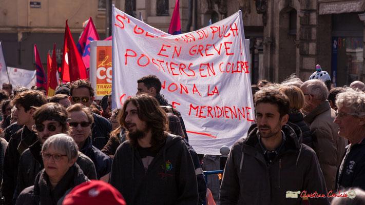 """14h50 """"Saint-Germain du Puch en grève ! Postiers en colère, non à la coupure méridienne"""" Manifestation intersyndicale de la Fonction publique/cheminots/retraités/étudiants, place Gambetta, Bordeaux. 22/03/2018"""