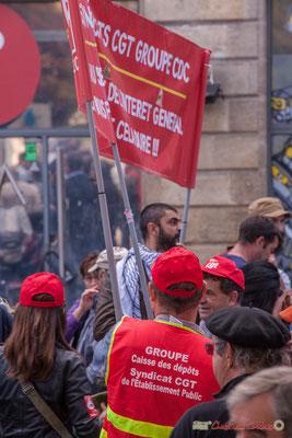 Personnel C.G.T Caisse des Dépôts et Consignations. Manifestation intersyndicale de la Fonction publique, place Gambetta, Bordeaux. 10/10/2017