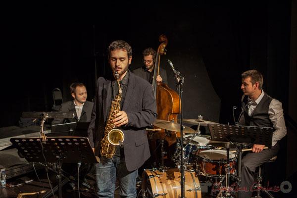 Le quatuor jazzy ( V. Vilnet, P. Robert, A. Gody, H. Raducanu) accompagne les Choraleurs dans Carmen in Jazz, cénac