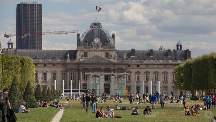 Champs de Mars, Ecole Militaire, Mur de la Paix, Paris  7ème