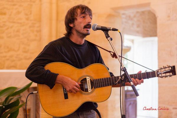 Raoul Vignal en concert, église de Saint-Brice. Ouvre la voix, samedi 4 septembre 2021. Photographie © Christian Coulais