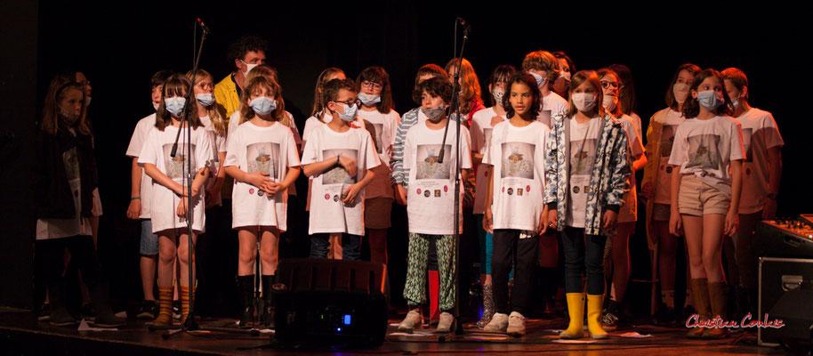 Création musicale Siladigueron. Elèves de CM1/CM2 de l'école primaire de l'Estey (Le Tourne), enseignante Céline Dumas. Lundi 7 juin 2021, Cénac. Photographie © Christian Coulais