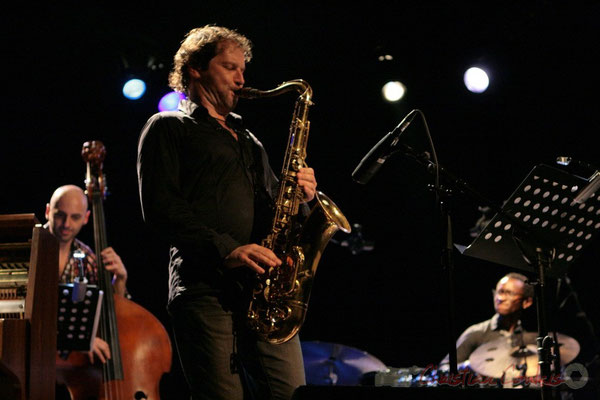 Mauro Gargano, Frédéric Borey, Roger 'Kemp' Biwandu; Roger Biwandu Quintet, Festival JAZZ360, Cénac 03/06/2011
