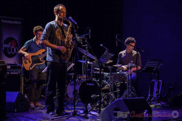 Le Jardin Quartet :  Ouriel Ellert, basse / Julien Dubois, saxophone / Gaétan Diaz, batterie. Festival JAZZ360 2016