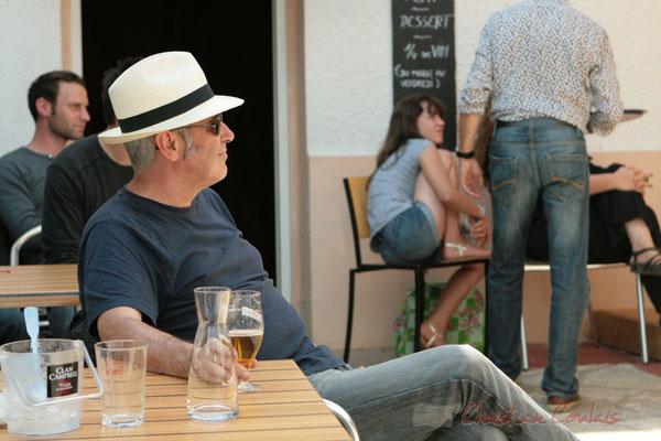 Jean-Paul Robert, un des programmateurs du Festival JAZZ360 2011, restaurant les Acacias. 05/06/2011
