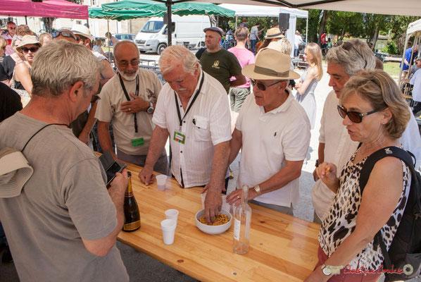 """""""Un moment tant attendu par les bénévoles ;-)"""" Vin d'Honneur offert par la Mairie de Quinsac, Festival JAZZ360, 11/06/2017"""