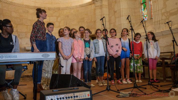 Chorale jazz du TAP de l'école de Cénac, dirigée par Caroline Turtaut. Eglise Saint-André de Cénac. Festival JAZZ360 2016, 10/06/2016