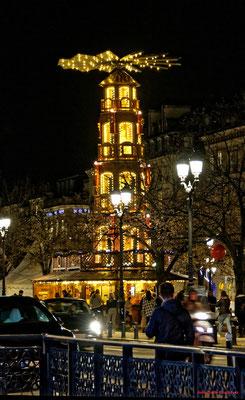 Illuminations de Noël, place de la Comédie et ses environs. Mercredi 16 décembre 2020. Photographie © Jean-Pierre Couthouis