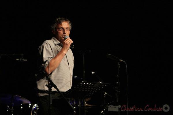 """""""Présentation de la seconde partie"""" Richard Raducanu, organisateur du Festival JAZZ360 2011, Cénac. 03/06/2011"""