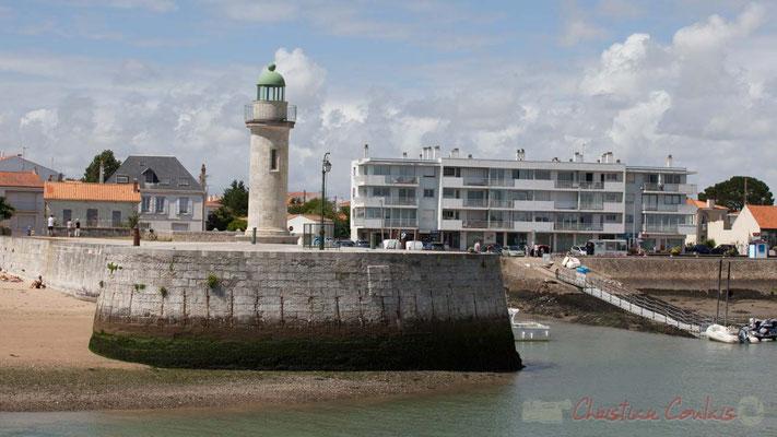 Promenade Marie Beaucaire, sur l'autre rive, Av. Jean Cristau. Saint-Gilles-Croix-de-Vie, Vendée, Pays de la Loire