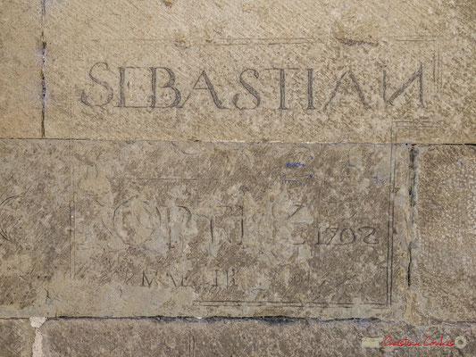 Gravage sur pierre 1702, Eglise San Pedro / Iglesia de San Pedrro (nave románica del siglo XII), Aibar, Navarra