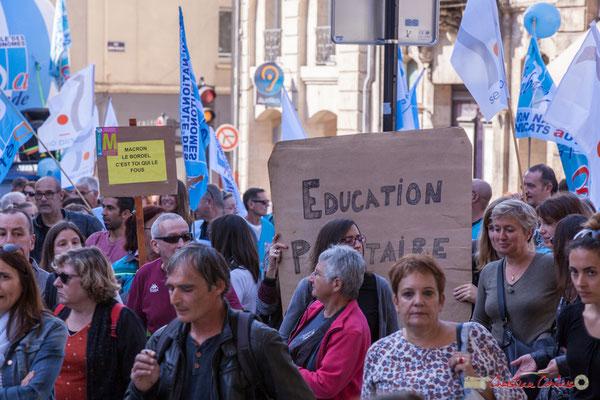 """""""Macron le bordel c'est toi qui le fout"""" """"Education prioritaire"""" Manifestation intersyndicale de la Fonction publique, place Gambetta, Bordeaux. 10/10/2017"""