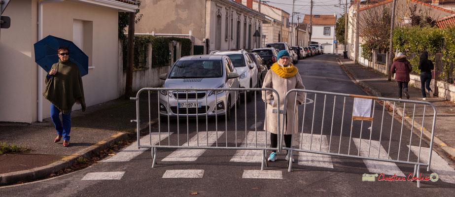 Françoise et son parapluie bleu. Regards en biais, Cie La Hurlante, Hors Jeu / En Jeu, Mérignac. Samedi 24 novembre 2018