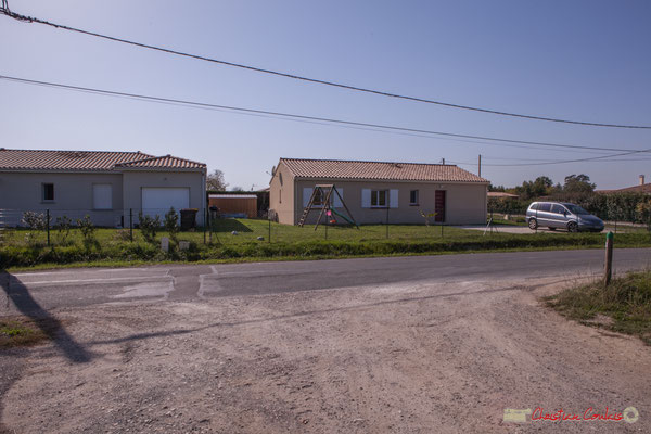 2 Habitats des années 2015. Avenue de Lignan, Cénac, Gironde. 16/10/2017