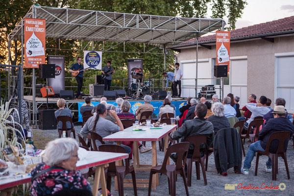 Le concert se termine, avec une météo clémente, bien que certains trouvent que l'air se rafraîchit. Oggy & The Phonics. Festival JAZZ360 2018, Langoiran. 07/06/2018