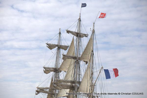 C Le Belem (1896) est le dernier trois-mâts barque français à coque acier, un des plus anciens trois-mâts en Europe en état de navigation et le second plus grand voilier restant en France. Bordeaux, samedi 16 mars 2013