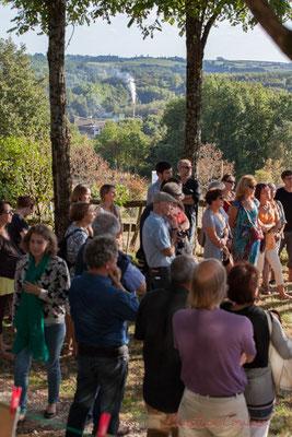 A partir de 16h45, une centaine de personnes s'est regroupée au Pougnan, à Saint-Genès-de-Lombaud