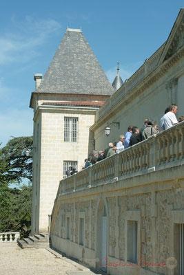 Vaste terrasse qui domine le parc du Château de Latresne, site de l'Aérocampus Aquitaine