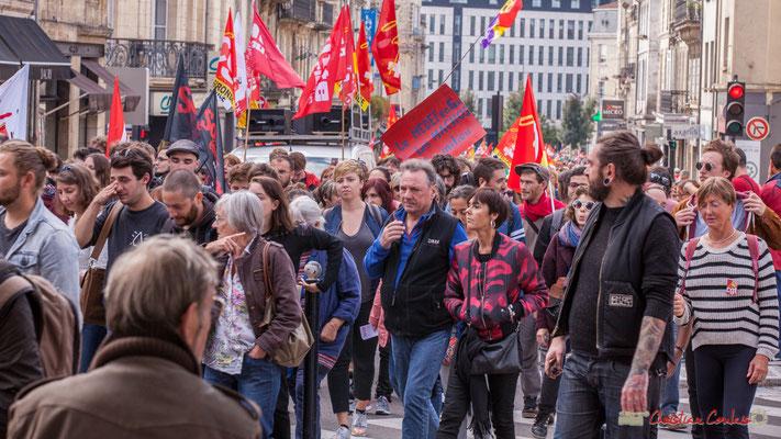 """""""Le MEDEF en feu, les machos au milieu."""" Manifestation intersyndicale de la Fonction publique, place Gambetta, Bordeaux. 10/10/2017"""