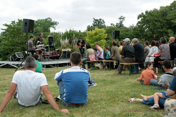 """""""ça se passe comme ça au Festival JAZZ360"""" Philippe Bayle Trio, Festival JAZZ360 2011, Quinsac. 05/06/2011"""