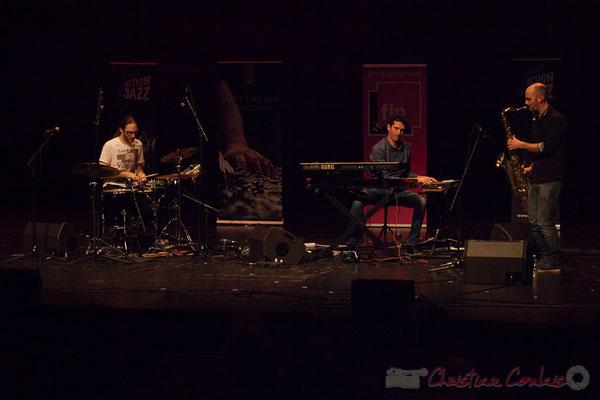 8 King Kong III, trio composé de Simon Pourbaix, Stéphane Cazilhac, Edouard Lhoumeau. Tremplin Action Jazz 2017. Le Rocher de Palmer, Cenon
