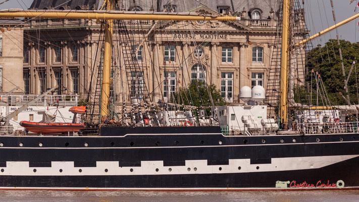Originellement, comme tous les Flying P-Liners, le Krusenstern était peint aux couleurs du drapeau de l'Empire allemand, noir au-dessus de la ligne de flottaison; blanc ligne de flottaison, rouge (coque sous la ligne de flottaison) © Christian Coulais