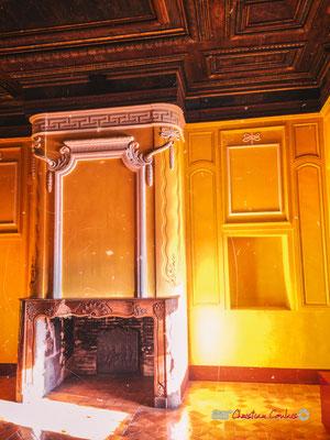 """""""Fulgurance"""" Une des salles les plus colorées du Château de Cadillac, Centre des Monuments Nationaux. Photographe : Christian Coulais. 04/11/2018"""