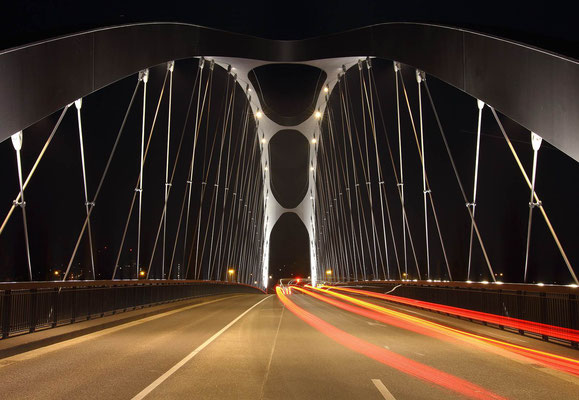 Die Osthafenbrücke