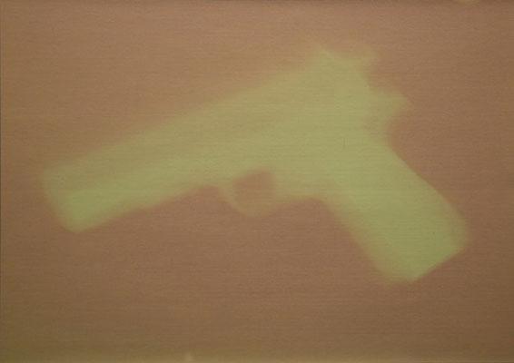 """Gun V aus """"Fade out"""", Ausstelllungsansicht, 2012, Axel Obiger, Berlin - originalzustand nach Belichtung"""
