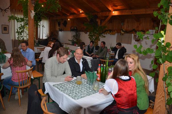 Bild: Das Wild, welches im Rahmen unserer Kurse versorgt wird, landet am Grünen Abend am Tisch.