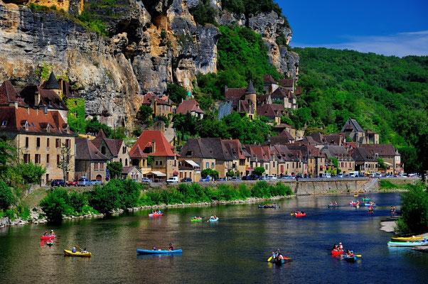La Roque Gageac - Plus d'informations : http://www.sarlat-tourisme.com/la-roque-gageac