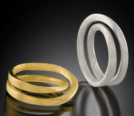 Double Möbius rings, 18KY; Sterling