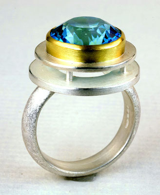 Blue topaz, 18KY, sterling