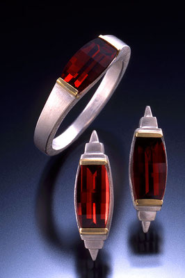 Barrel-cut ring/earrings, also in amethyst, citrine, peridot, blue topaz