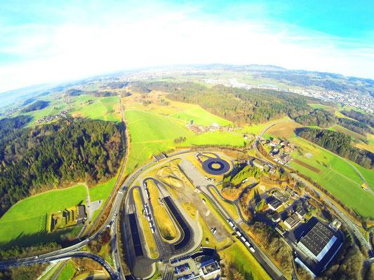Luftaufnahme bosshard design Autobahnkreisel Betzholz Hinwil, TCS,
