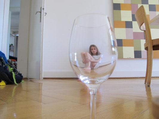 Platz 1 - Hinter Glas- Karlotta Kahl