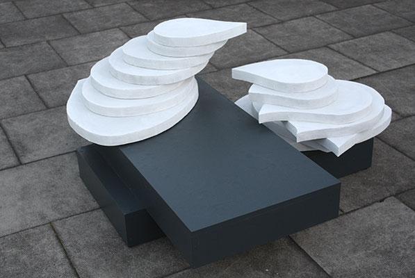 Annäherung, 2011, 70 x 150 x 150 cm