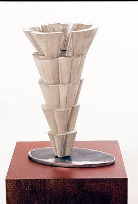 Equisetum, 2004, Beton, 40 x 30 x 20 cm