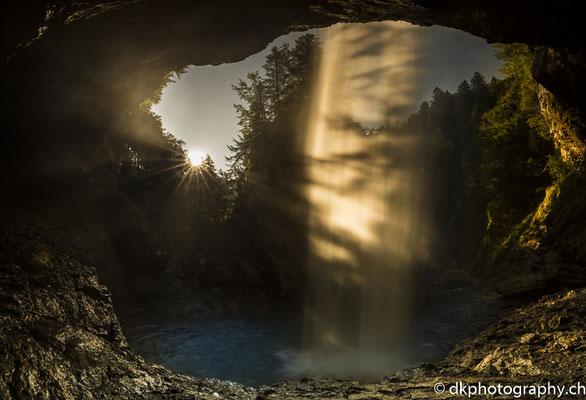 Der wohl schönste Wasserfall der Schweiz (Glarus, CH). Bild-Nummer: 348